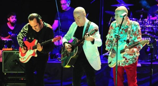 Tüm darbeleri gördüm diyen MFÖ grubunun gitaristinden ses getirecek 15 Temmuz açıklamaları - Sayfa 1
