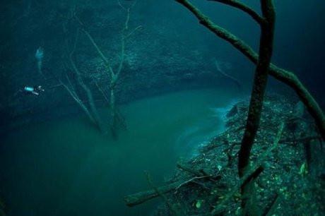 Denizin altındaki nehir - Sayfa 4