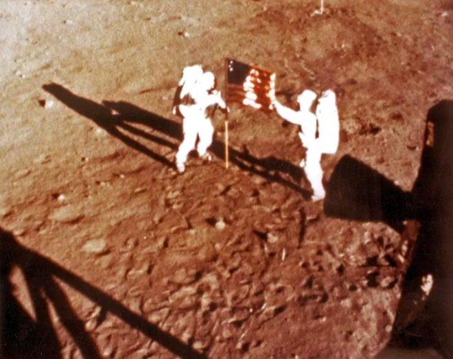 50 yıldır sır gibi saklanıyordu! İşte Ay'a iniş sırasında Neil Armstrong - Sayfa 4