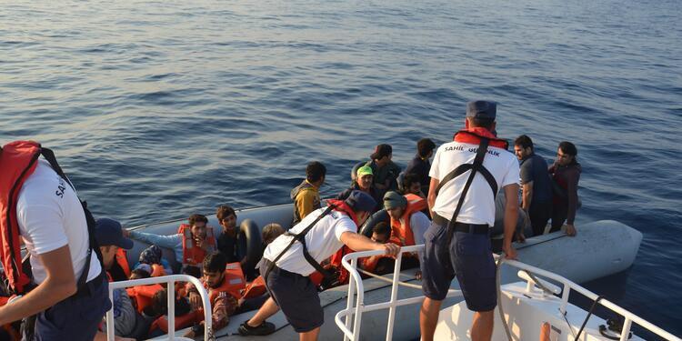 Kuşadası'nda operasyon: 77 kaçak göçmen yakalandı - Sayfa 1