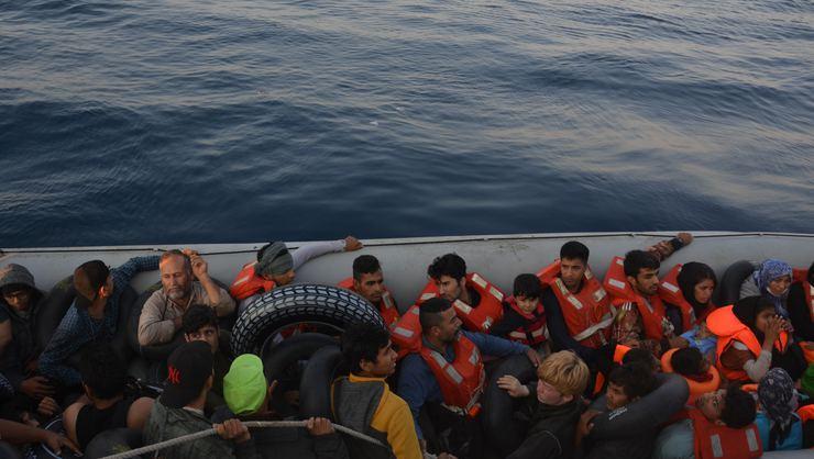 Kuşadası'nda operasyon: 77 kaçak göçmen yakalandı - Sayfa 2