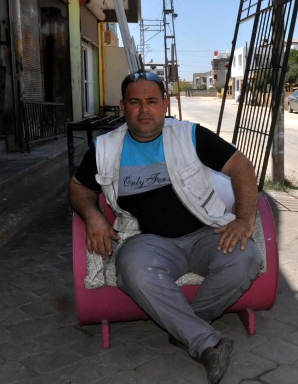 Suriyeli adam tanesini 800 TL'den satıyor! Hatay'da boş varillerle bakın neler yapıyor - Sayfa 1