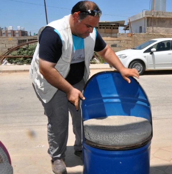 Suriyeli adam tanesini 800 TL'den satıyor! Hatay'da boş varillerle bakın neler yapıyor - Sayfa 2