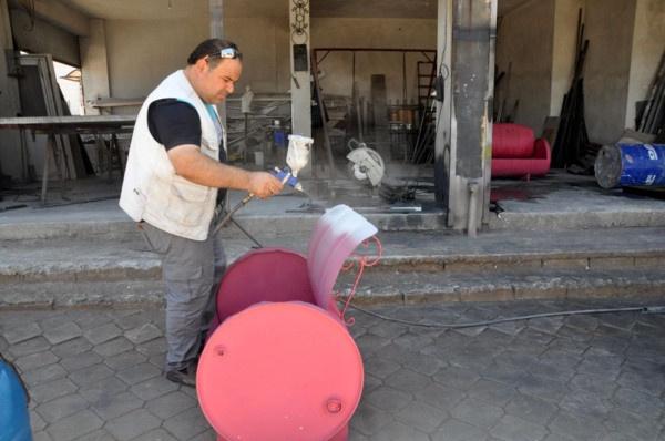 Suriyeli adam tanesini 800 TL'den satıyor! Hatay'da boş varillerle bakın neler yapıyor - Sayfa 4