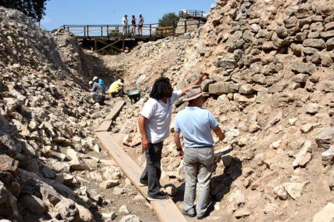 Troya'da büyük keşif! Kuruluş tarihi 600 yıl geriye gitti - Sayfa 2