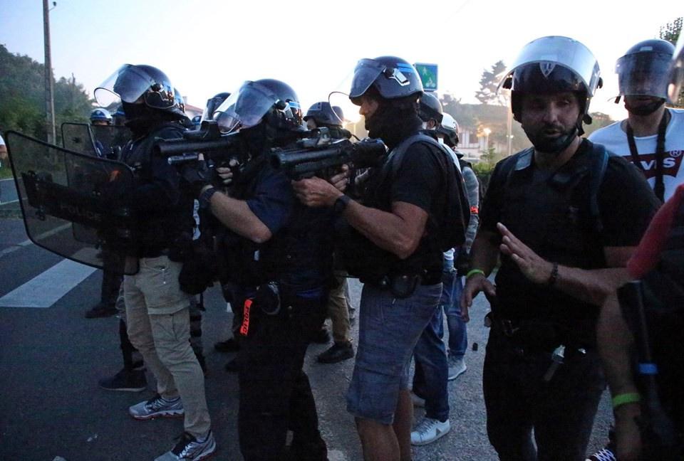 G7 Zirvesi öncesinde 17 gözaltı, 4 yaralı - Sayfa 1