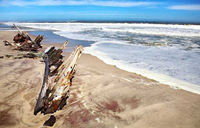 Bu sahillerde denize girmek cesaret ister! - Sayfa 2