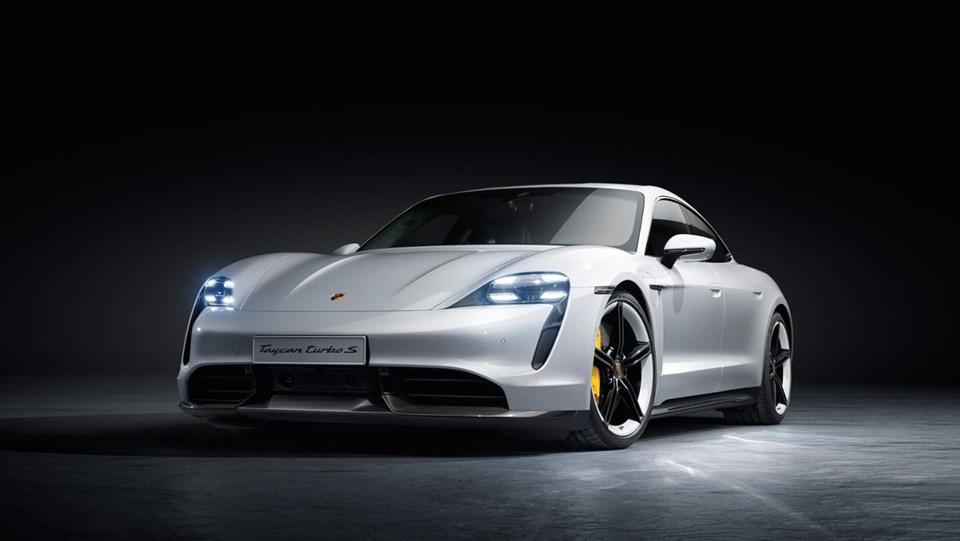 Porsche ilk tam elektrikli modeli Taycan'ı tanıttı - Sayfa 2